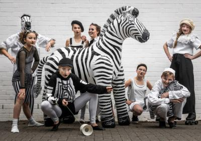 Zartinkas zauberhaften Zirkusgeschichten – Z E B R A V I L L E